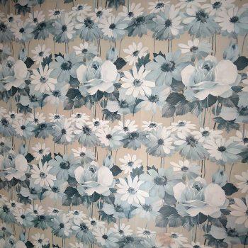 Detalle del papel de la habitación gris y blanca